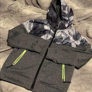 Boys zip up hoodie jacket size 8-9 years NWOT